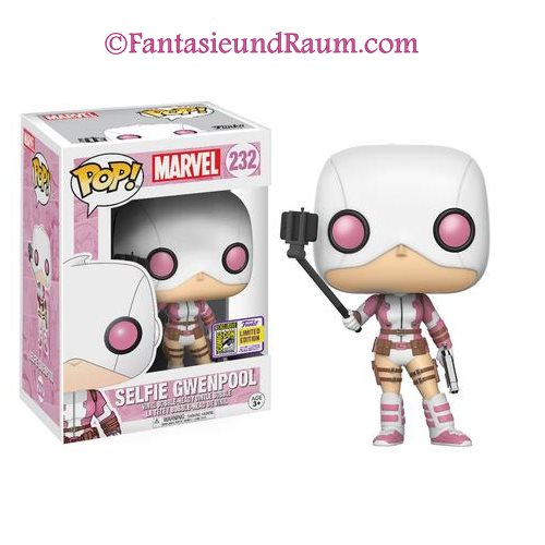 Gwenpool Selfie Stick SDCC 2017